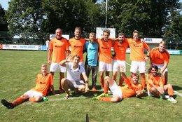 Beide Mannschaften in Engelsberg